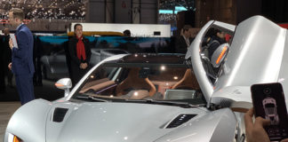 Presentación en Ginebra del Hispano Suiza Carmen eléctrico