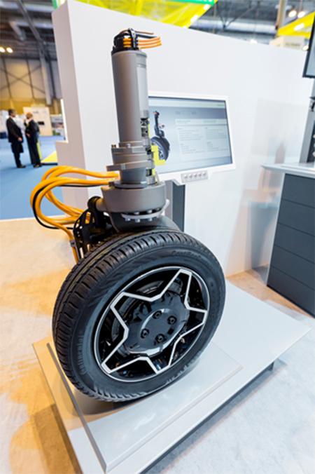 Intelligent Corner Module en el stand de Schaeffler en Motortec Automechanika Madrid