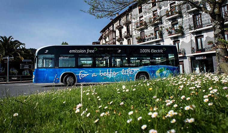 El acuerdo contempla la entrega de diez autobuses eléctricos