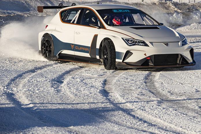 El equipo de competición de Cupra e-Racer se prepara para la nuevas E-TCR