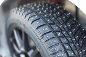 420 clavos fueron necesarios para los neumáticos del e-Racer
