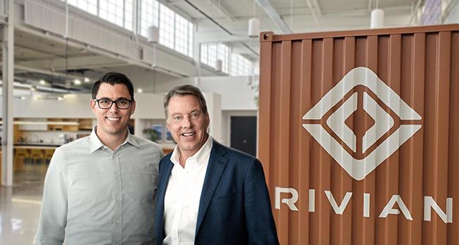 RJ Scaringe, fundador y CEO de Rivian, y Bill Ford, presidente ejecutivo de Ford