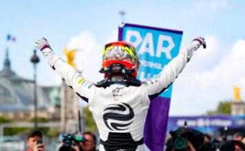 Robin Frijns (NLD), Envision Virgin Racing, Audi e-tron FE05, gana la octava carrera por las calles de París.
