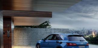 El nuevo Audi Q5 55 TFSIe quattro es el primer modelo de la nueva familia de vehículos híbridos enchufables de Audi.