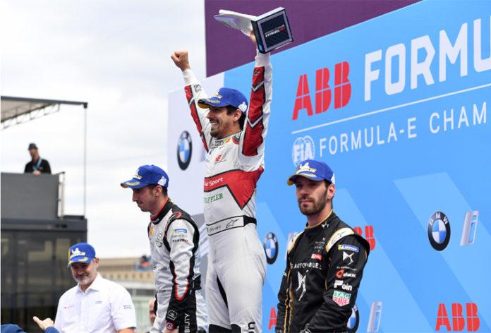 Podio de la décima carrera del E-Prix de Berlín para di Grassi, Buemi y Vergne.