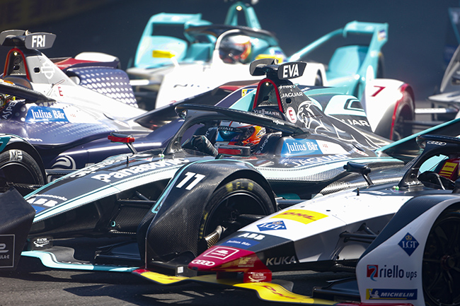 Mónaco: Robin Frijns (NLD), Envision Virgin Racing, Mitch Evans (NZL), Panasonic Jaguar Racing, Lucas Di Grassi (BRA), Audi Sport ABT Schaeffler. (Photo by Andrew Ferraro / LAT Images)