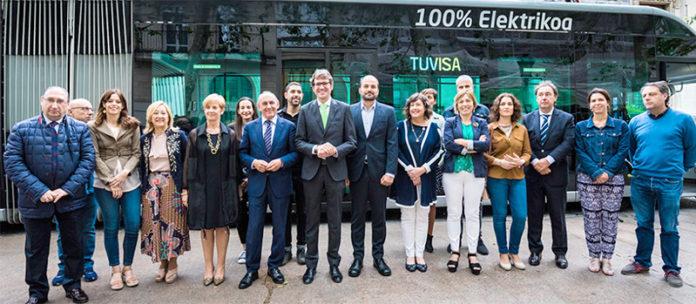 Presentación de los 13 ieTram de Irizar e-mobility para el servicio Bus Eléctrico Inteligente de la ciudad de Vitoria.