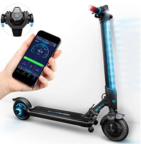 El auge del patinete eléctrico ha hecho que puedan incorporar todo tipo de accesorios, incluidas app de conectividad con smartphones.