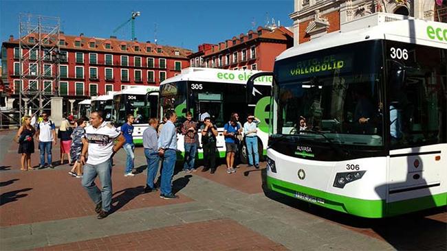 Valladolid va cambiando su flota de autobuses para conseguir una movilidad sostenible.