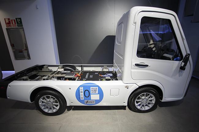 Su consumo eléctrico y su mantenimiento son 6 veces más económicos que los de un vehículo convencional de su clase.