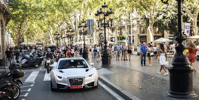 Carmen ha hecho su debut oficial internacional por las calles de Barcelona.