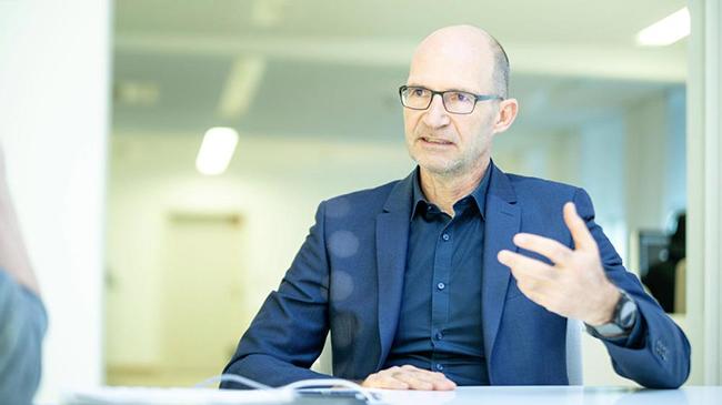 Klaus Bischoff, diseñador jefe de la marca Volkswagen en los últimos doce años.