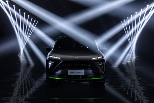Las luces verdes son características del estilo Razer.