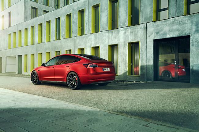 El tuneado ayuda a que la imagen del coche sea más dinámica y deportiva.