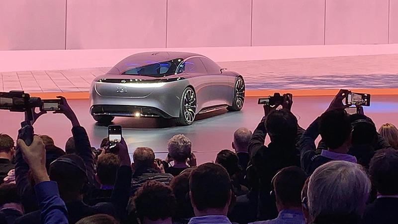 Elegancia, lujo, armonía, dinamismo... Un diseño atractivo para los nuevos VE de Mercedes.