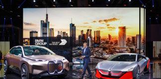 Oliver Zipse, CEO de BMW, explica la visión de futuro del BMW durante el IAA de Frankfurt.