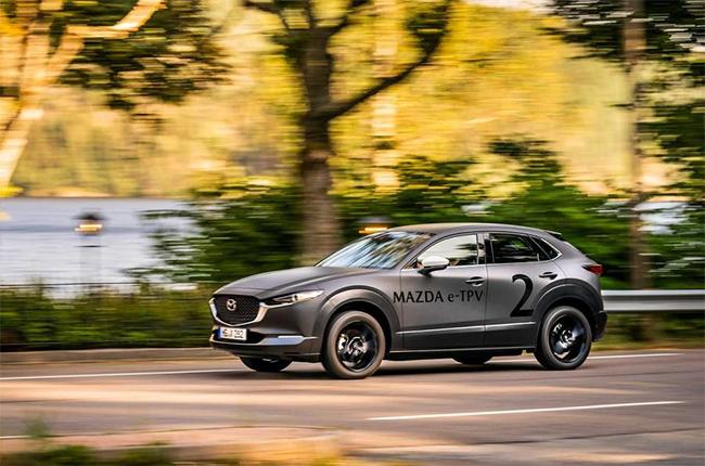 Mazda también presentará su primer eléctrico, del que apenas conocemos detalles. Podría estar basado en el e-TPV. Foto: Autocar.