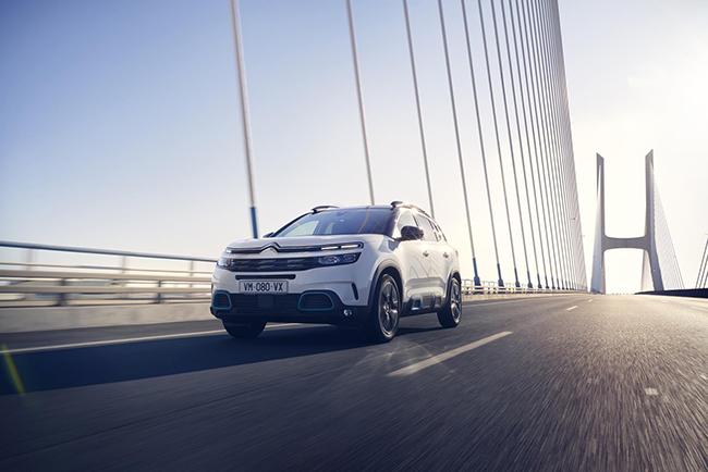 El nuevo SUV PHEV es un vehículo polivalente y dinámico.