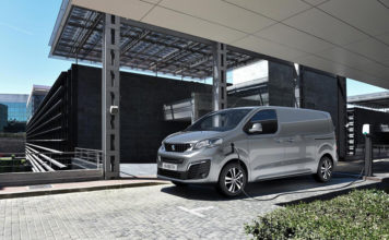 Peugeot e-EXPERT, nueva versión, 100% eléctrica, del vehículo comercial.