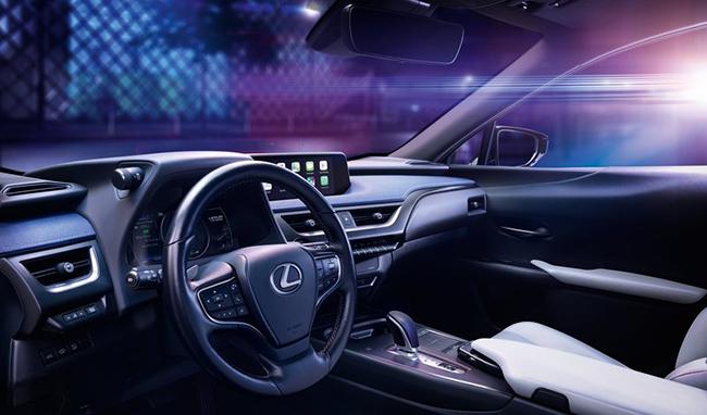 Interior del Lexus UX 300e.
