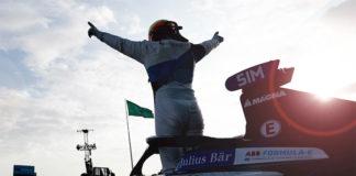 Alex Sims, de BMW i Andretti Motorsport, vencedor de la segunda carrera.
