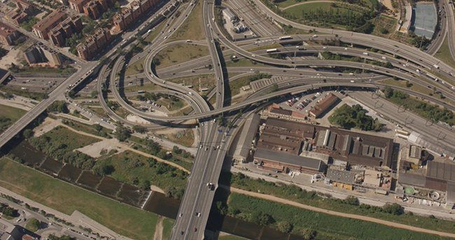 El proyecto también contempla la conexión con los paneles informativos para conocer las incidencias del tráfico.