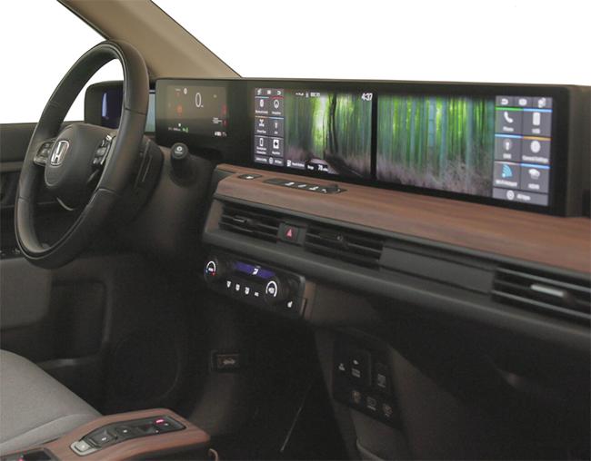 Desde Driving Electric decían que sentarse al volante del Honda e daba la impresión de estar en una nave espacial.