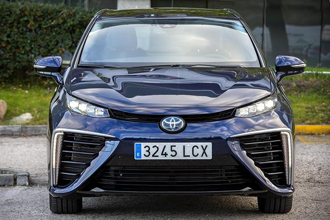 Así es el nuevo Toyota Mirai de hidrógeno.