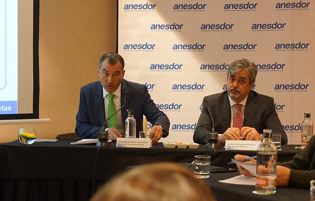 De izquierda a derecha: José María Riaño y Víctor González Balaguer, secretario general y presidente de ANESDOR, respectivamente.