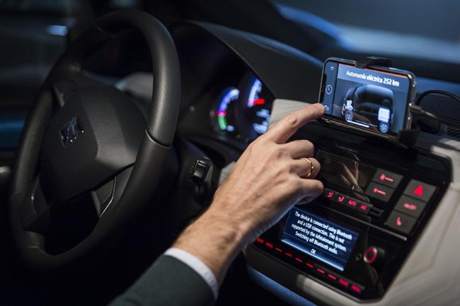 Un punto a favor para conducir un coche eléctrico es la cada día mayor autonomía que ofrecen.