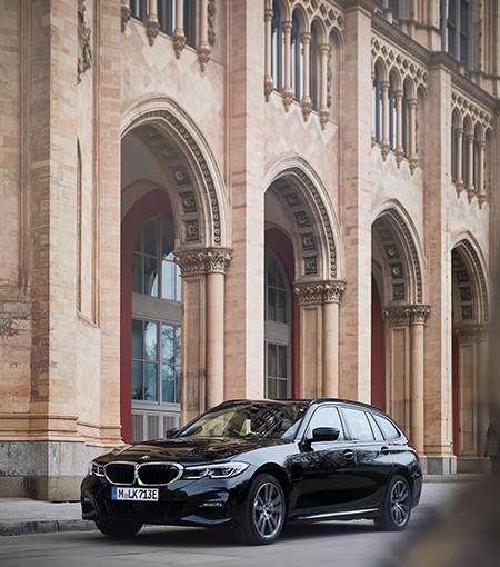 BMW 330e xDrive.