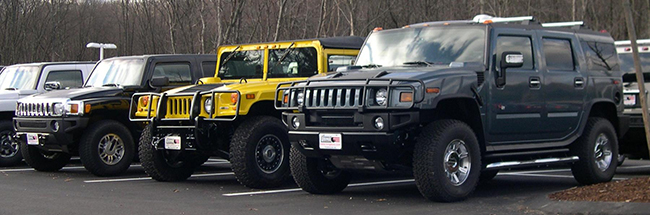 Antiguos Hummer H1, H2 y H3. Foto: Sfoskett~commonswiki.