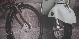 Barcelona regula el sharing de motos y bicis.