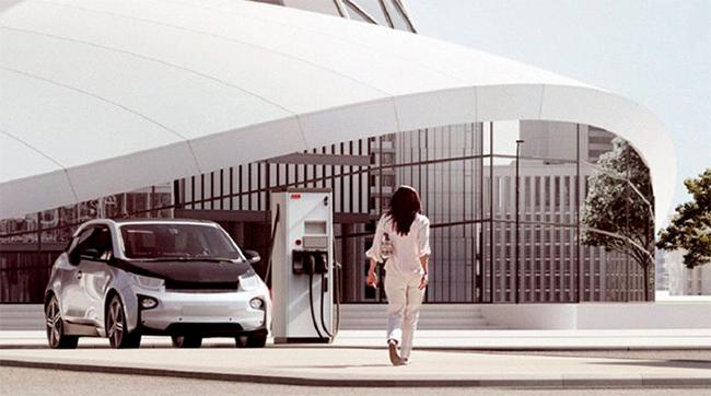 La segunda encuesta ha ganado en número de preguntas y usuarios, como lo hace el sector de la movilidad eléctrica.