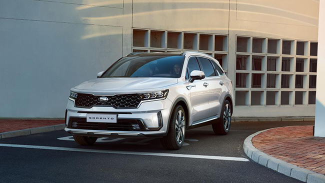 El Sorento está basado en la nueva plataforma para SUV, lo que le ha dado mayores dimensiones exteriores e interiores.