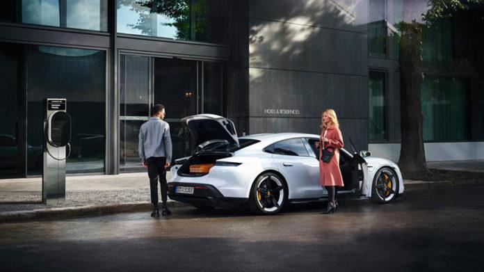 Porsche Destination Charging cuenta con 1.035 puntos de carga, a los que se unirán otros 900 antes de fin de 2020.