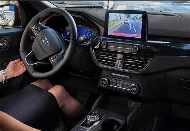 Interior del nuevo Ford Kuga híbrido enchufable.
