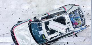 Prueba de choque para evaluar la seguridad del sistema eléctrico del Polestar 2.