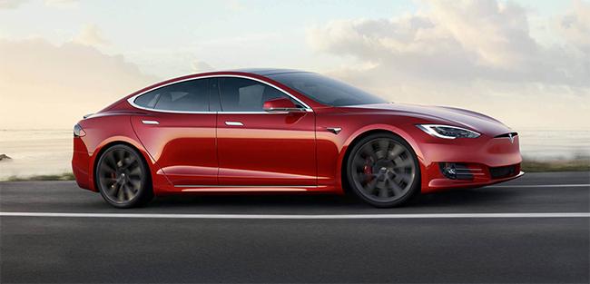 Además de ser el segundo coche más conocido, el Model S, Tesla consiguió puntuaciones relevantes en otras secciones de la encuesta.