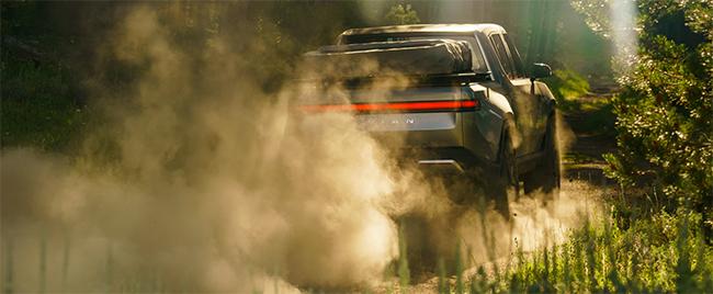 La maniobrabilidad de la pick-up es uno de sus aspectos señalados, más allá de su potencia, par y autonomía.