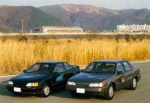 La tercera generación de eléctricos de Hyundai basada en el Sonata (1993). Y el Scoupe de 1994.