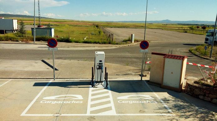 Nuevo punto de carga de Cargacoches en El Azafrán, en la A-23, Teruel.