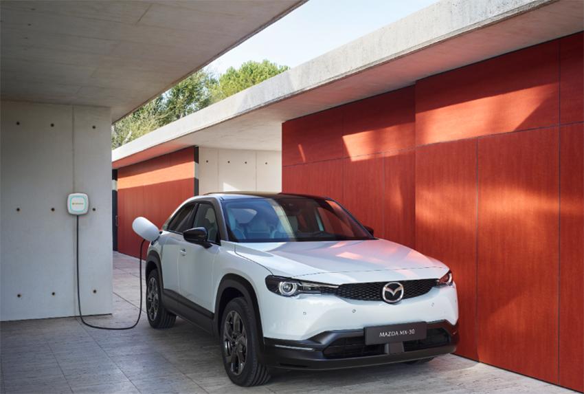 El nuevo Mazda MX-30 ha iniciado su producción en Japón. Llegará a Europa a partir del otoño.