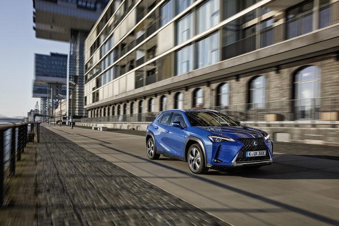 El primer vehículo eléctrico de Lexus, el UX 300e, llegará antes de fin de año.