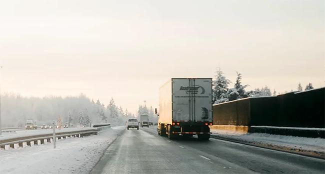 La crisis del COVID-19 ha dado relevancia al transporte de mercancías por carretera.