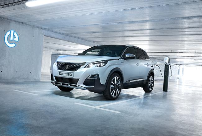 Toda la gama de Peugeot, eléctrica e híbrida enchufable, se beneficia de las ayudas.