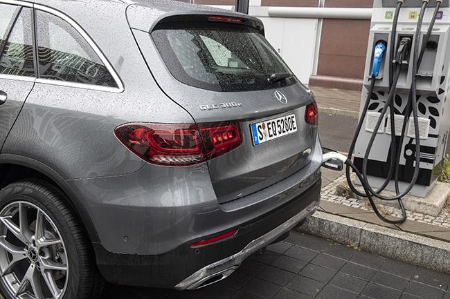 coches hibridos enchufables recarga