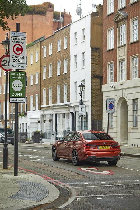 La tecnología ayudará a que los usuarios de híbridos enchufables se muevan en ciudad de manera más sostenible.