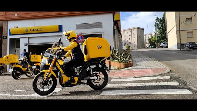 Correos ha ido incorporando a las CCAA las nuevas motocicletas eléctricas.