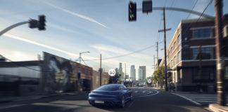 La actualización del Porsche Taycan incorpora numerosas funciones bajo demanda, como Porsche Innodrive.